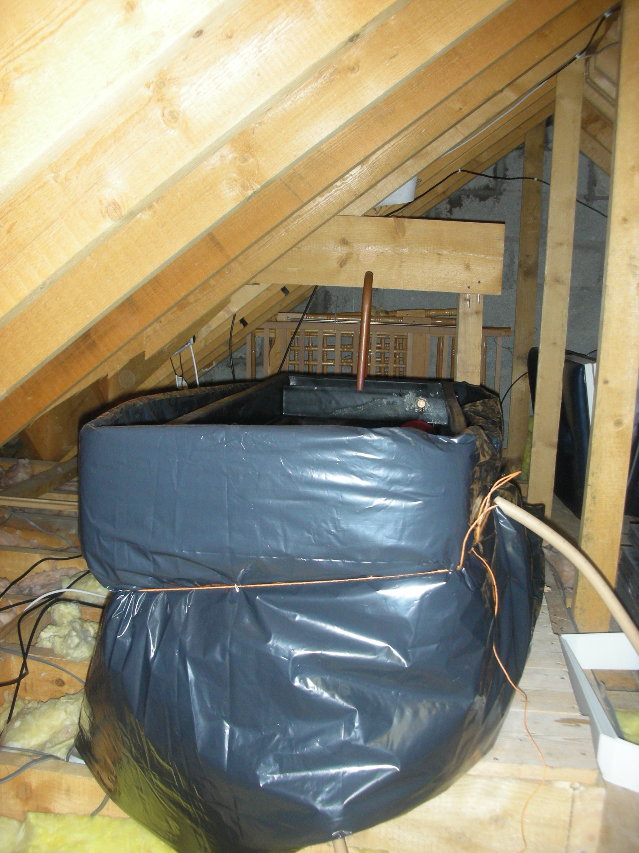Water Tank Insulation : Attic tank jacket insulator dust cover for